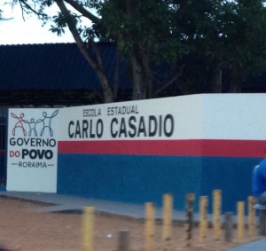 Escola Carlos Casadio pintada com as cores do PP. Foto/Redes Sociais